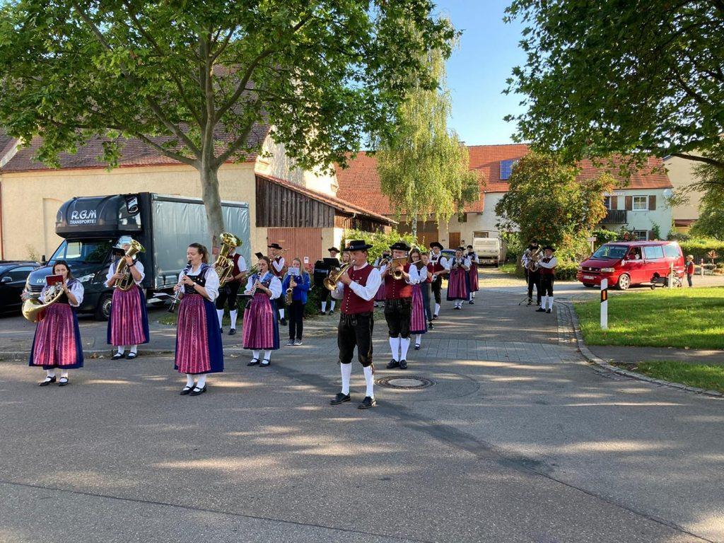 Marschaufstellung der Musikkapelle